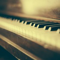 Tips For Moving A Piano Across Hardwood Floors